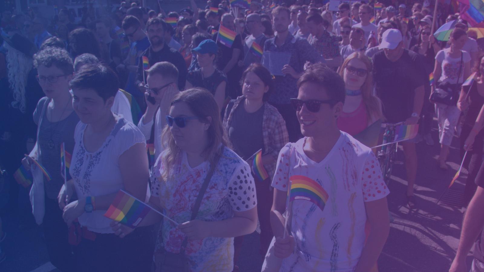 Ponad połowa Polaków za formalizacją związków tej samej płci. Sondaż OKO.press